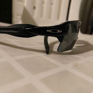 Oakley sunglasses. Flak 2.0. Like new.